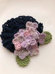 ハンドメイド シュシュ ラベンダー色の紫陽花 ガーリー ネイビー