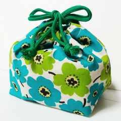 2-302 北欧風花柄緑 お弁当袋