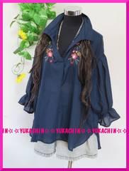 秋新作◆大きいサイズ3Lネイビー◆胸元花柄刺繍◆シャツ