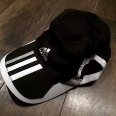 **adidas アディダス**ランニングキャップ 新品