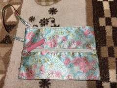 新品未使用ジルスチュアート花柄ポーチ水色ピンク