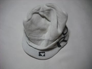 wb600 ROXY ロキシー つば付き ニット帽 ビーニー 白