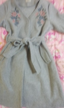 刺繍使いが素敵なベルト付きコート未使用美品