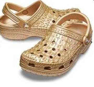 crocsクロックス限定クロコダイル柄ゴールド24~25サンダル靴スゥェットセットアップコートバッ