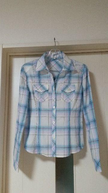 未使用 ヴィニー ラインストーン付ボタン ワイヤー入りシャツ 36    < ブランドの