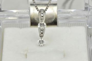 K18WG 合計 0.30ct ダイヤモンド ペンダントネックレス