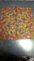 KENZO ケンゾーハンカチ鮮やかな花柄赤地未使用