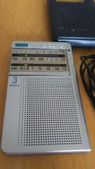 SONY  3バンド軽量スピーカー付携帯ラジオ