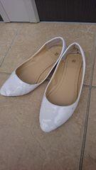 新作*whiteフラットシューズ!ぺたんこ靴!現品限り!