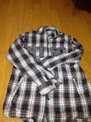 黒系チェック柄長袖シャツ未使用