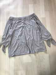 オフショルOK!落ち感グレーの袖がリボントップス未使用