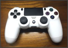 SONY PS4 純正コントローラー 白 使用済み良品