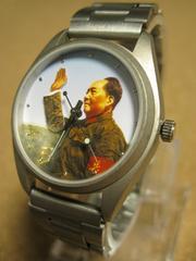 秒針に連動して毛沢東が手を振る手巻き機械式腕時計