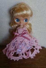 プチブライス薄ピンクのレース編みドレス
