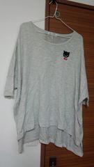 ワ-ルドワイドラブ猫が可愛い薄手のニット灰色