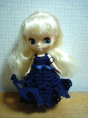 プチブライスOF紺のレース編みドレス