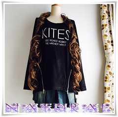 新作★大きいサイズLL 裾ZIP付ロゴプリTシャツ*黒