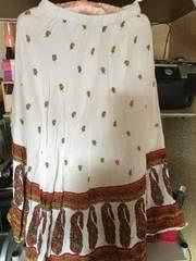 白花柄とペイズリー柄サイズMロングフレアスカート
