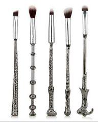 【送料無料】大人気 メイクブラシ 魔法の杖 5本セット