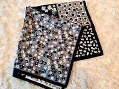 ブラック系*花柄スカーフ