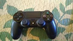 PS4コントローラ黒色動作に問題はありません、
