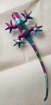 カラフルなトカゲの人形(ブルー)吸盤付き ガラスや窓に張り付きます 爬虫類