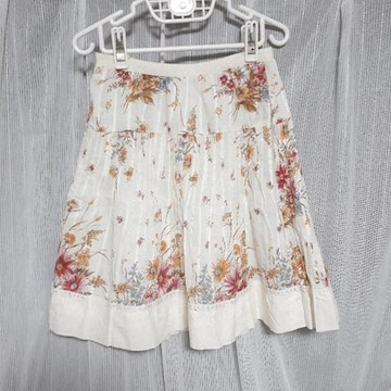【美品】フラワープリントスカート/オリーブデオリーブ