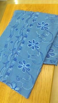 新品タグつき*総柄コットン混大判ストール 同色グラデ刺繍 ブルー