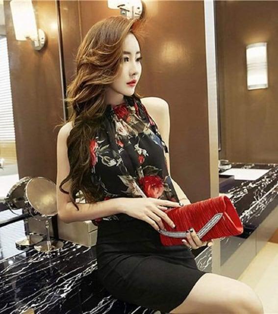 花柄ミニタイト ペプラムワンピース(XL寸・黒)  < 女性ファッションの
