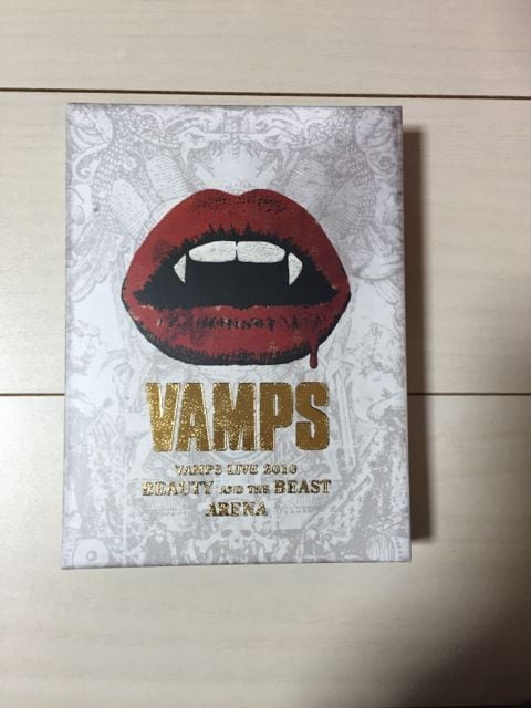 VAMPS  LIVE 2010 BEAUTY AND THE BEAST☆限定盤DVD  < タレントグッズの