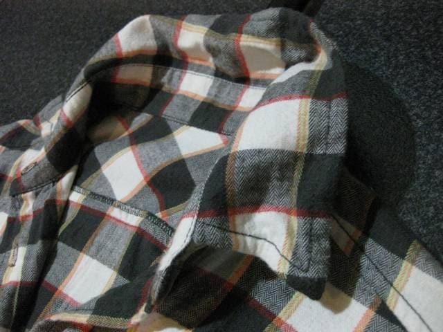 新品ワイヤー入り チェック七分袖シャツ PURE CASUAL < 女性ファッションの