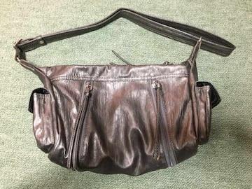 メタリックグレー 大きさの変わる柔らかショルダーバッグ