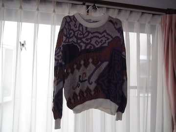 UOMOのセーター(L) 日本製!。