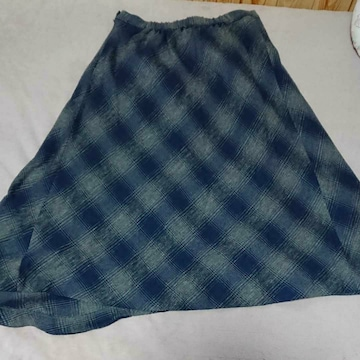 スタジオ クリップ グレー×紺色チェック柄アシメスカート